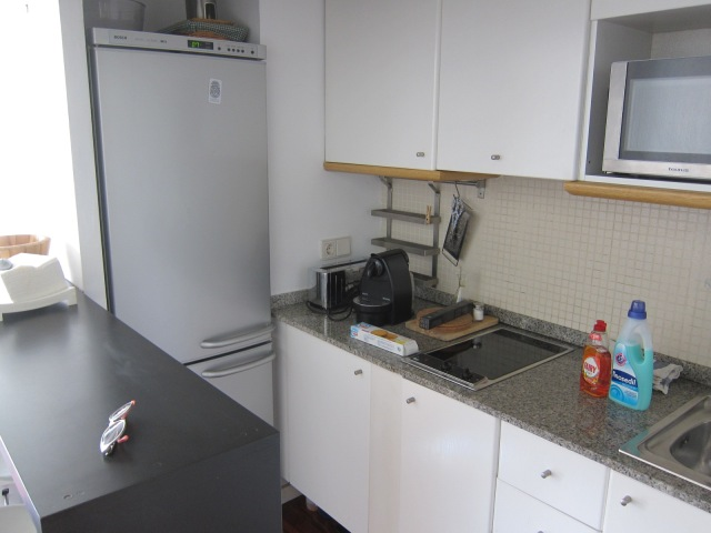 Well-equppied galley kitchen, and an Nespresso machine!
