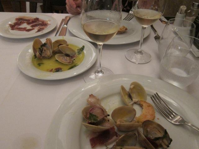 Almejas (clams) marinera con jamón; also Jamón de Bellota to the upper left